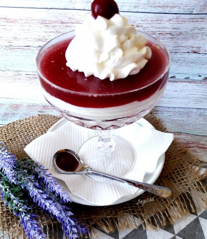 Десерт вишна