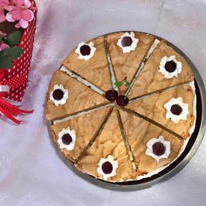 Рајски колач со вишни