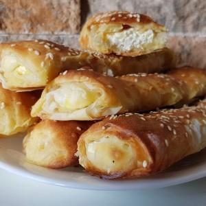 Ролнички со сирење како од пекара (со готови кори)