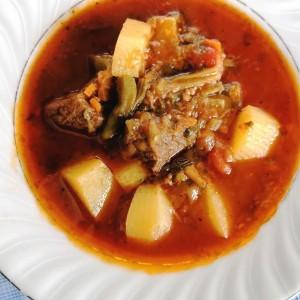 Јавнија со бамја и телешко месо