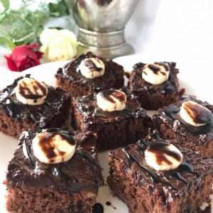 Луд чоколаден колач (посно, без миксер)