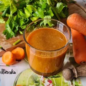 Свеж имуно сок од морков и целер