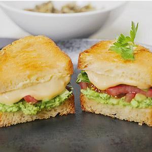 Вкусен крцкав вегански сендвич