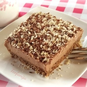 Колачот на Тито (Торта со чоколадо и ореви)