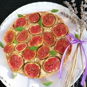 Пита од свежи смокви и лешници