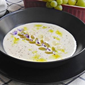 Ладна бела супа - Ајо Бланко