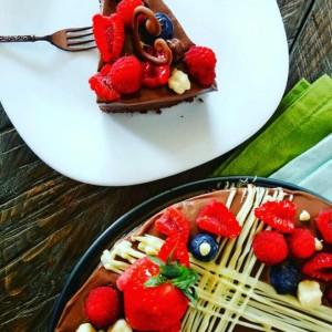 Парена торта со ганаш од горко чоколадо