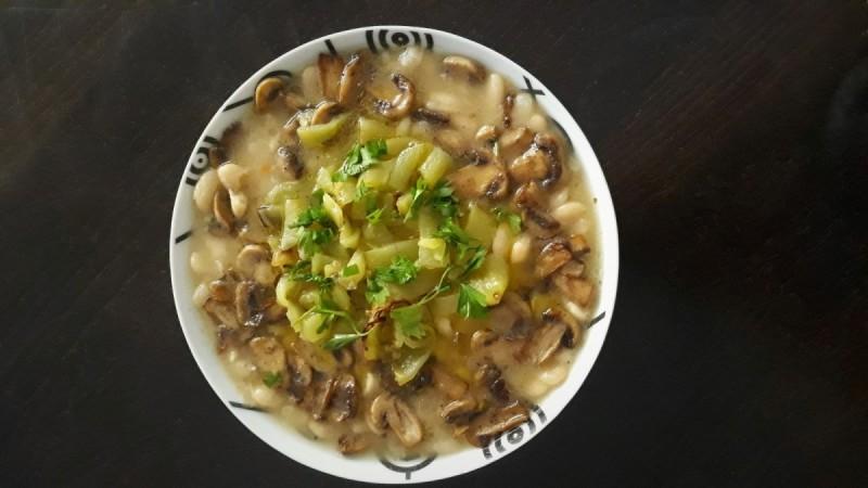 Гравче со печурки и зелени пиперки (посно)