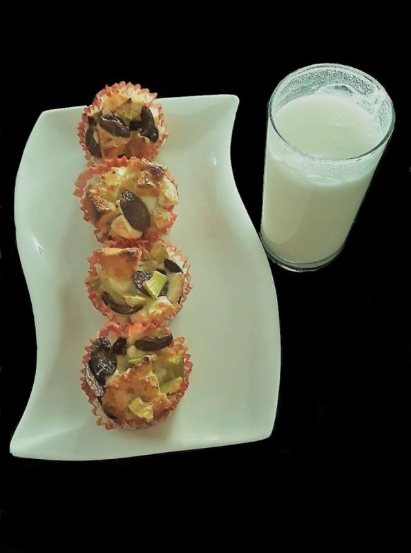 Брз појадок со авокадо, маслинки и сирење