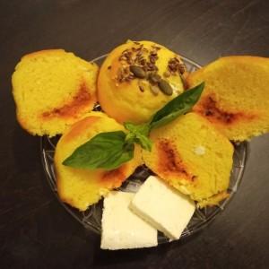 Проја мафини со ајвар, сирење и урда