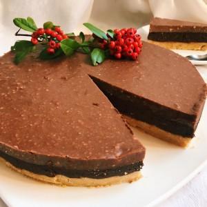 Торта со бисквити, портокал и чоколадо (без печење)