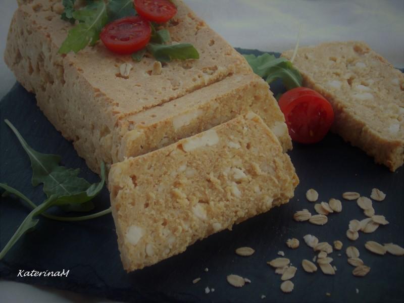 Солен колач со овесни снегулки и сирење (без брашно)