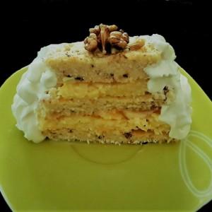 Брза торта со лешници, ореви и кокосово млеко