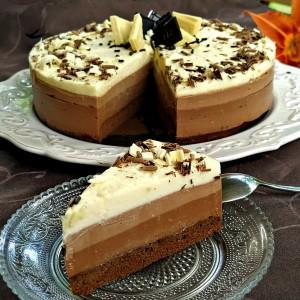 Чоколаден чизкејк (со три вида чоколадо)