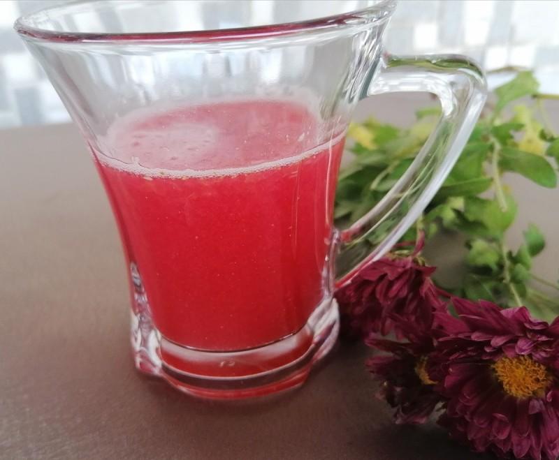 Сок од калинка и портокал со ѓумбир во прав