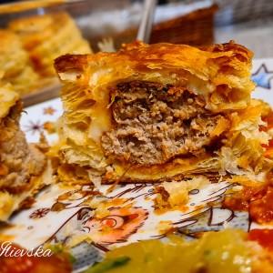 Полнето лиснато тесто со мелено месо