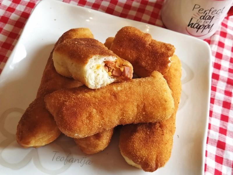 Пирошки со ајвар и кашкавал