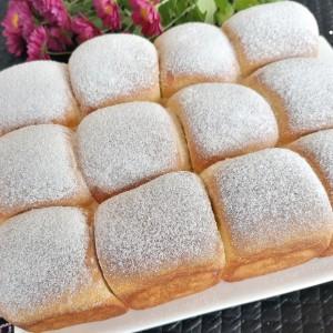 Ванила, меки бухтли, полнети со мармалад од аронија