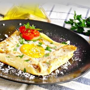 Палачинка со јајце