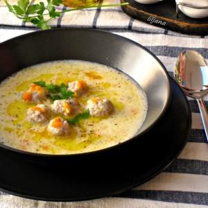 Супа со кнедли од мелено месо - 2