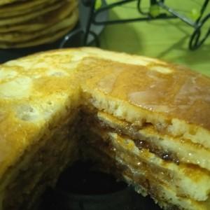 Цимет Палачинки (со прелив од лимон)