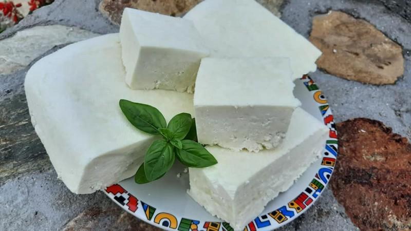 Кравјо сирење со 9% алкохолен оцет
