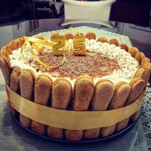 Маскарпоне и кафе роденденска торта (без печење)