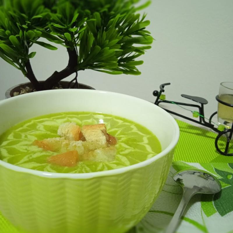 Крем Супа со Брокула (подготвена во Мултифреш вакум блендер)