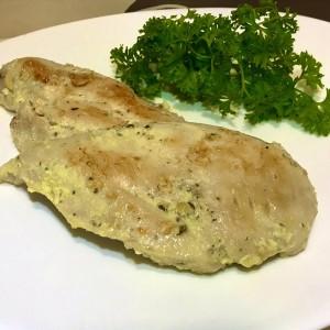 Пилешки стек(мариниран и динстан во млеко)