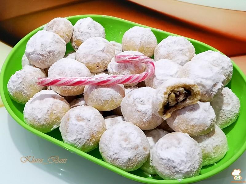 Суви колачиња со макадамија и чоколадо