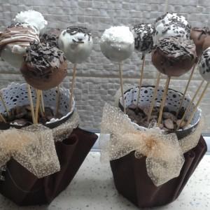 Роденденски млечни бомбици со крем и чоколадо