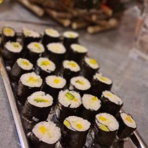 Суши со балсамико прелив