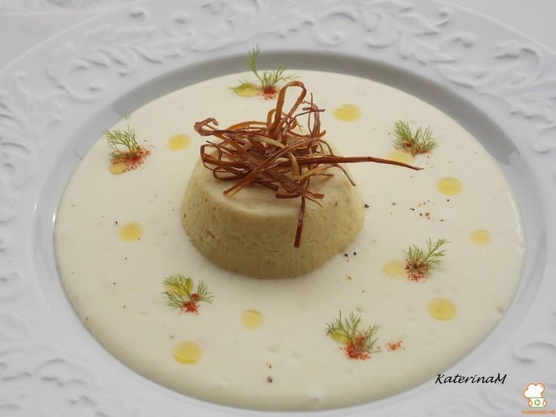 Тортици со праз во млечна крема од компири