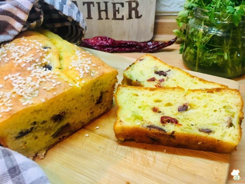Солена торта со праз и маслинки