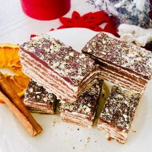 Бадем торта со розен кори