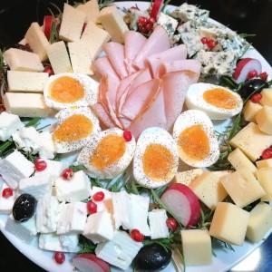 Ладна даска со 4 врсти сирење