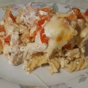 Макарони со пилешко