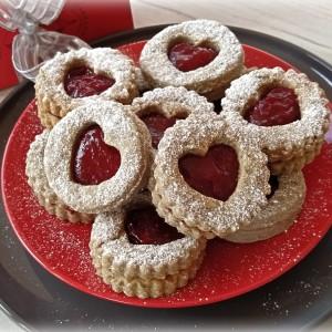 Малинасти колачиња со црвено вино (посно)