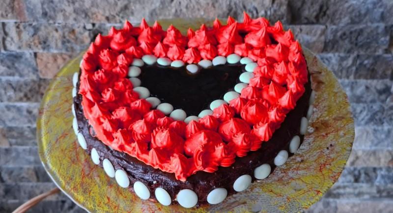 Срце торта без печење(со кроасани и крем банани)