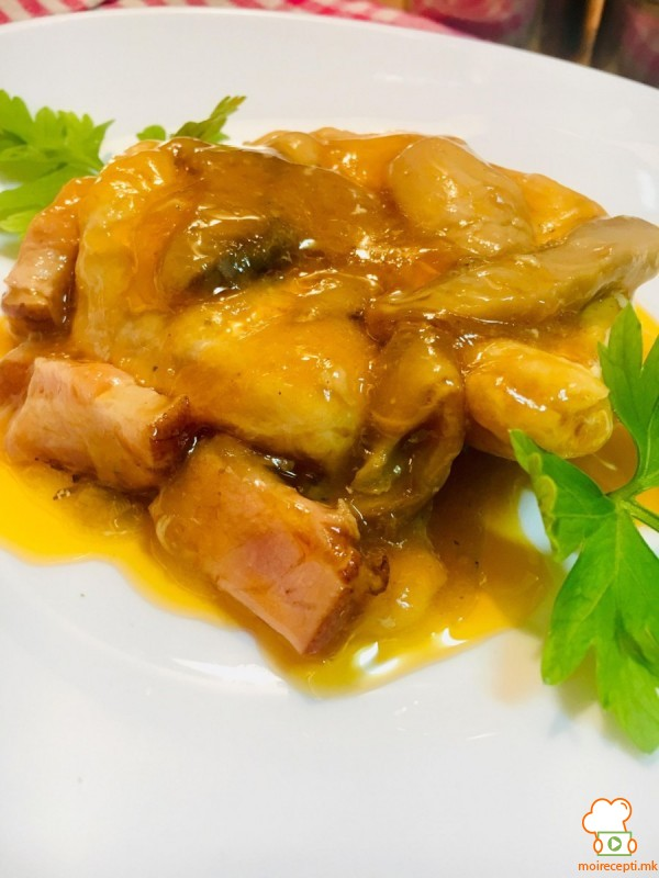 Пилешки стек со сос