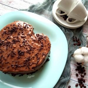 Чоколадна торта Срце со карамела