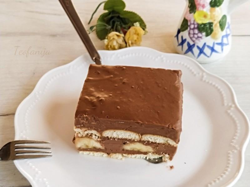 Чоколаден пудинг колач со банани