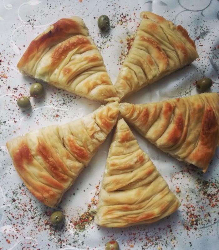 Охридски комад со сирење