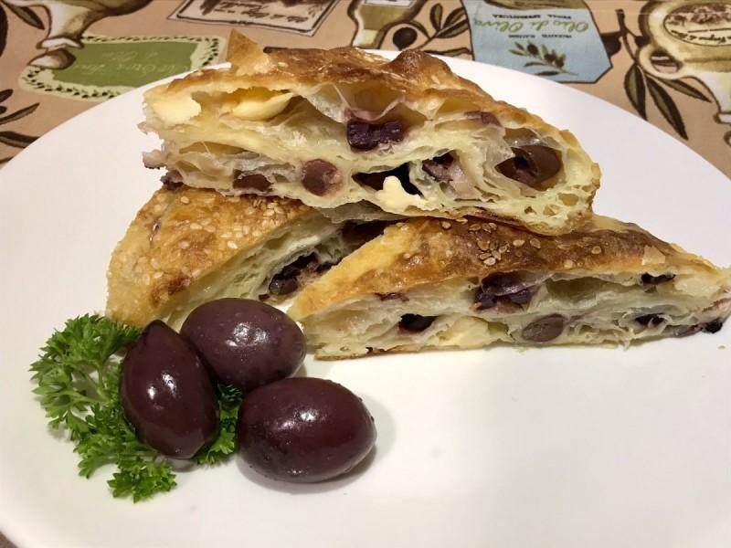 Пита со маслинки и зденка(со готови кори)