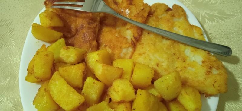 Пржени Панга Филети (со гарнир од пекарски компир)