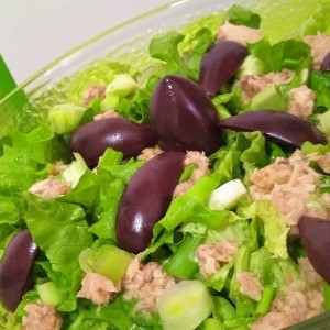 Зелена салата со туна