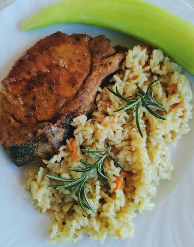 Прилог од ориз со шафран, кон пржени кременадли