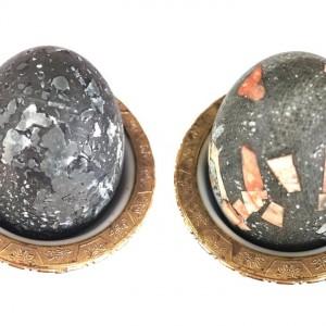 Велигденски јајца варени во чај од хибискус