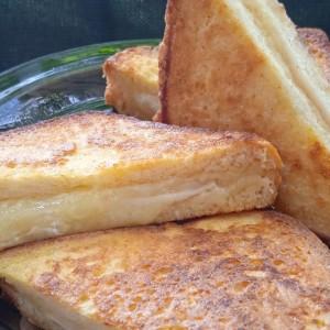 Пржени сендвичи од тост леб