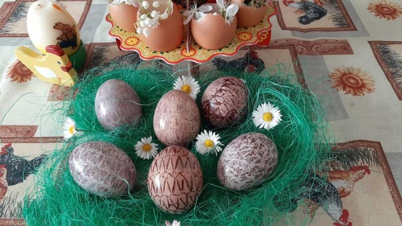 Вапцување на јајца со аронија-на природен начин